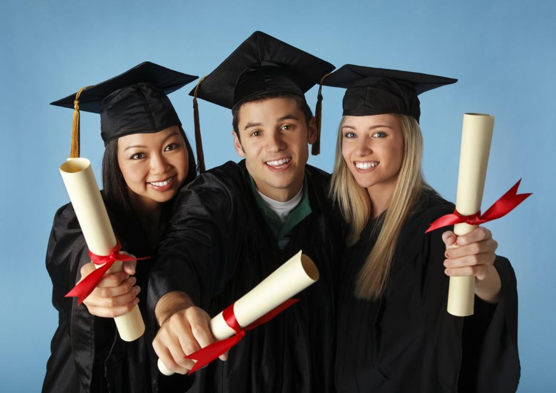 egyetem-diplomasok